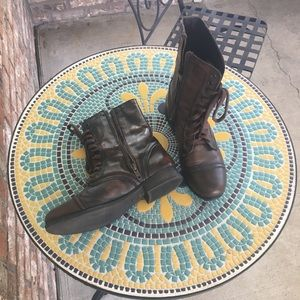Steve Madden Brown Leather Boots. Size 8.5